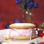 summer dessert recipe: strawberry ice cream sandwich